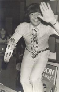 DJ Johnny D tijdens een optreden in de jaren 70