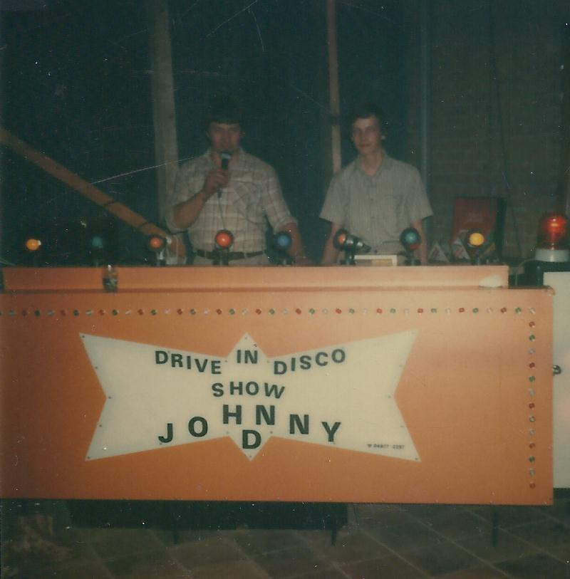 Johnny-D tijdens Hapert tienerbal
